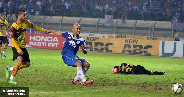 Skor Persib Vs Persiwa: Simamaung.com » Cetak 2 Gol