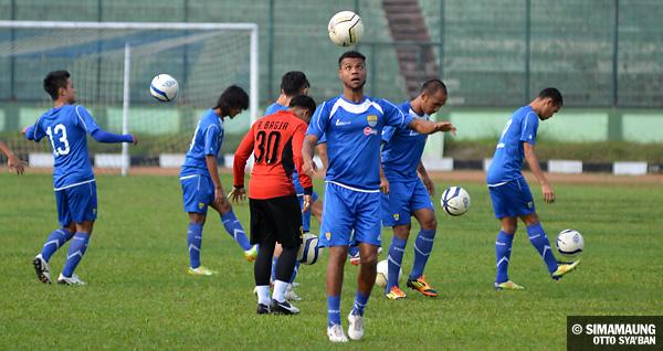 Persib Bandung Berita Online | simamaung.com » Peluang Main Hilton Dan Atep Disesuaikan ...