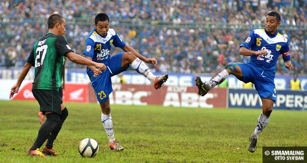 Persib Bandung Berita Online | simamaung.com » Pelatih Persib Dan Persiwa Puji Permainan Van ...