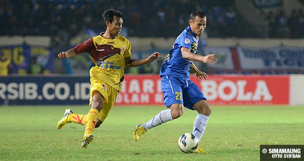 foto-persib-bandung-vs-sriwijaya-menpora-cup-2013-supardi-SIM_1361