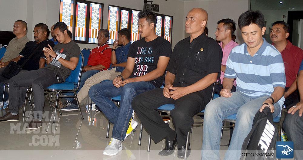 foto-persib-bandung-pertemuan-manajemen-pelatih-dan-pemain-SIM_4430