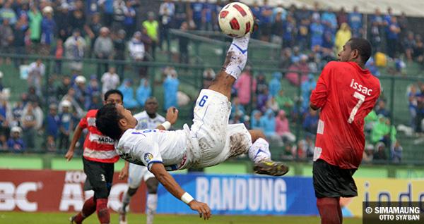 Persib Bandung Berita Online | simamaung.com » Darah Sepakbola Kental di Tubuh Ronggo