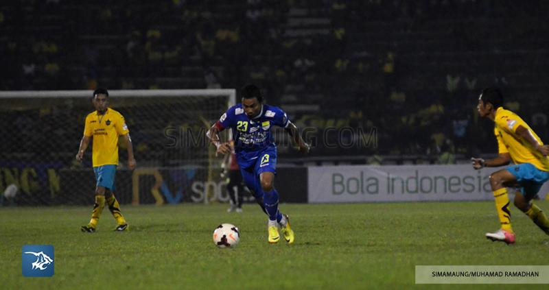 Foto-Gresik-vs-Persib-Ridwan