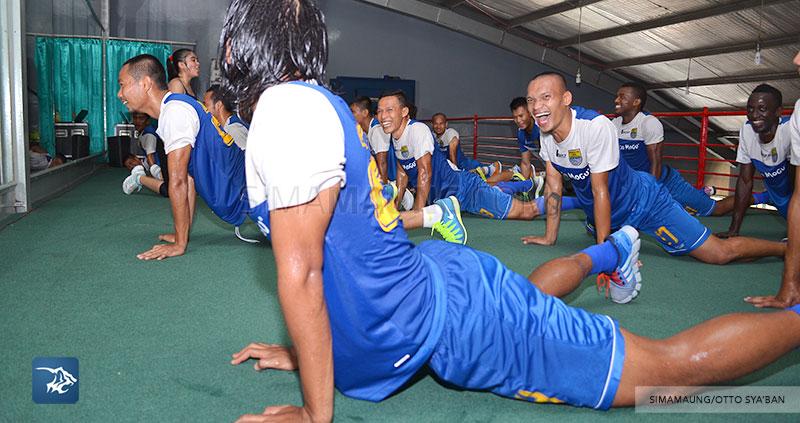 foto-persib-bandung-latihan-fitness-di-sosi-SIM_5982