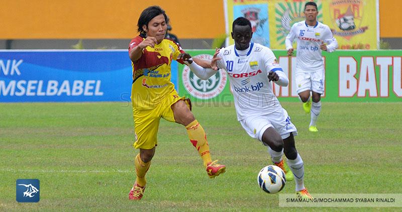 foto-persib-bandung-vs-sriwijaya-fc-di-palembang-away-SIM_6953