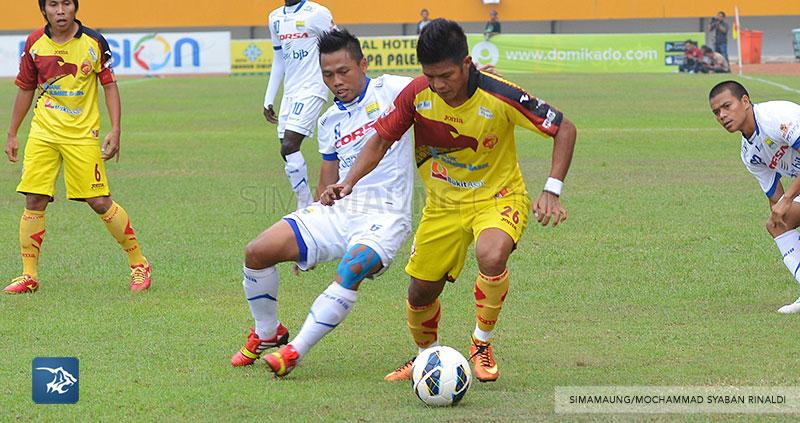 foto-persib-bandung-vs-sriwijaya-fc-di-palembang-away-SIM_6966