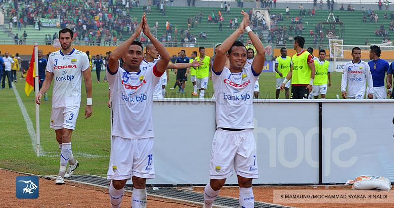 foto-persib-bandung-vs-sriwijaya-fc-di-palembang-away-SIM_7361