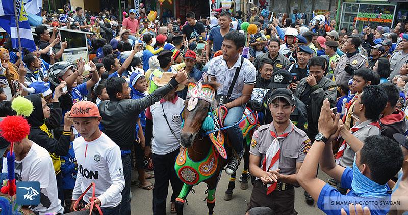 foto-persib-bandung-road-show-di-tanjung-sari-SIM_9050