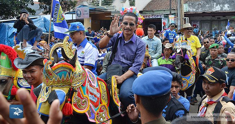 foto-persib-bandung-road-show-di-tanjung-sari-jajang-nurjaman-SIM_9031