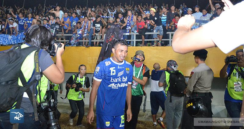 Persib Bandung Berita Online | simamaung.com » Masuk Final, Personil Persib Menangis Haru
