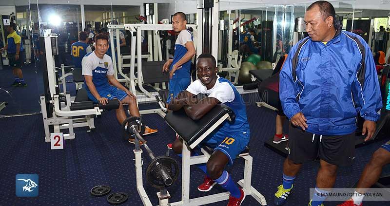 foto-persib-bandung-latihan-fitness-di-sosi-konate-SIM_0853