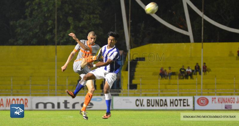 Foto-PBFC-Pusamania-Borneo-FC-PSP-Padang-Piala-Walikota-Padang-2015-SIM_2135