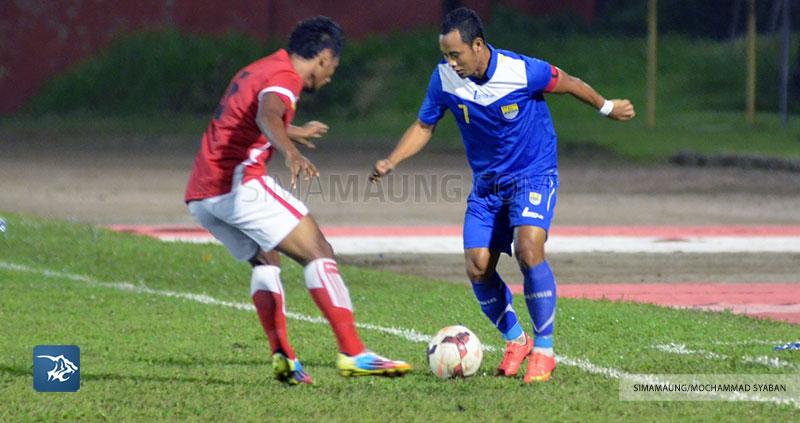 Foto-Persib-Bandung-Piala-Walikota-Padang-2015-Persiba-Atep-SIM_2534