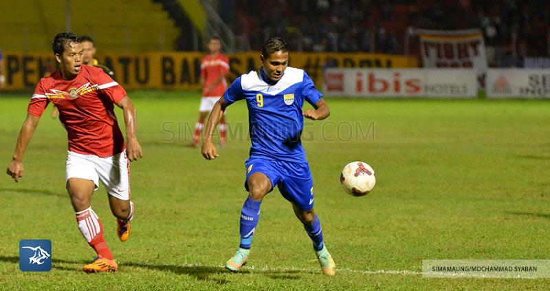 Foto-Persib-Bandung-Piala-Walikota-Padang-2015-Persiba-SIM_2568