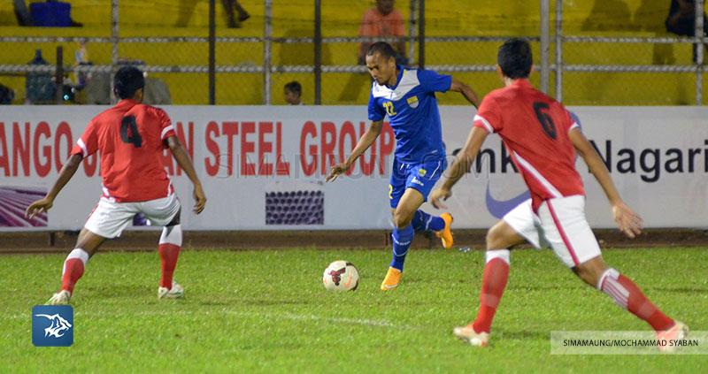 Foto-Persib-Bandung-Piala-Walikota-Padang-Final-Persiba-2015-Supardi-SIM_2552