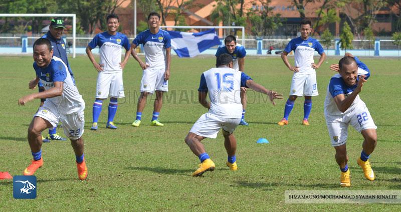 Foto-Persib-Latihan-Piala-Walikota-Padang