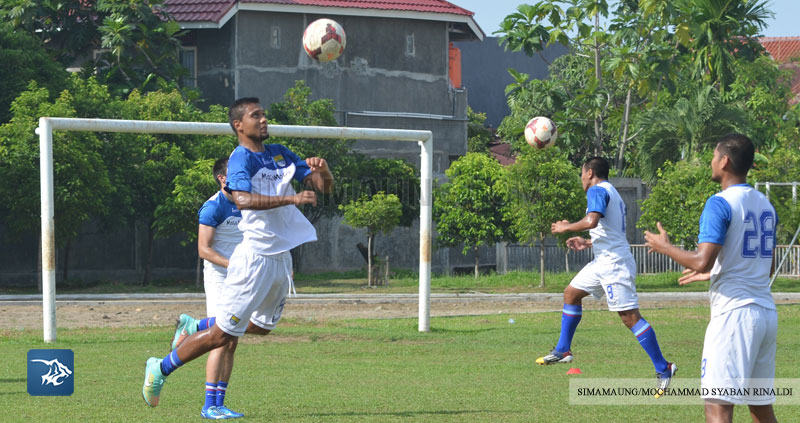 Foto-Persib-Latihan-Piala-Walikota-PadangSIM_1582