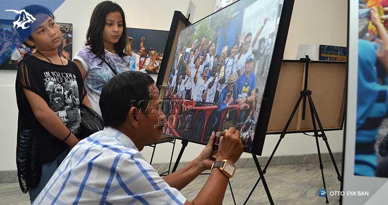 foto-persib-bandung-pameran-foto-juara-2014-jajang-SIM_4025