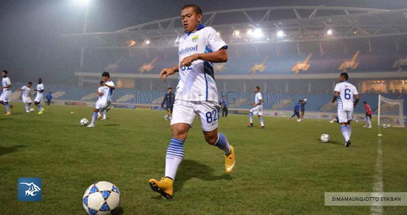 Foto-Persib-Bandung-Latihan-Stadion-My-Dinh-Hanoi-LCA-Tantan