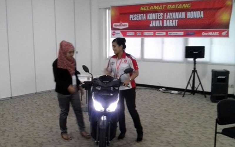 foto-Customer-Satisfaction-Award-dan-Kontes-Layanan-honda-2