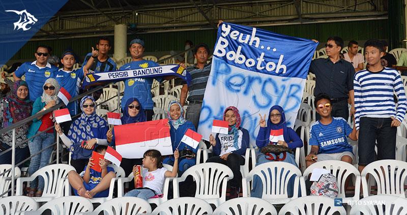 FOTO-PERSIB-BANDUNG---New-Radiant-vs-Persib-AFC-Cup-2015-di-Male-BOBOTOH-DI-MALE-SIM_8836