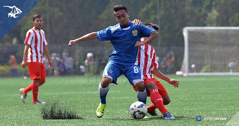 foto-persib-bandung-vs-bareti-ujicoba-di-football-plus-2015-TAUFIQ-SIM_6221