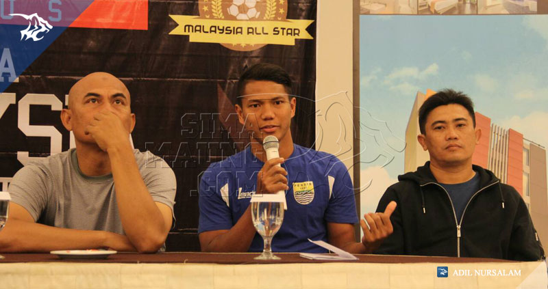 foto-konferensi-pers-persib-vs-malaysia-all-stars-2015-ahmad-jufriyanto-1937