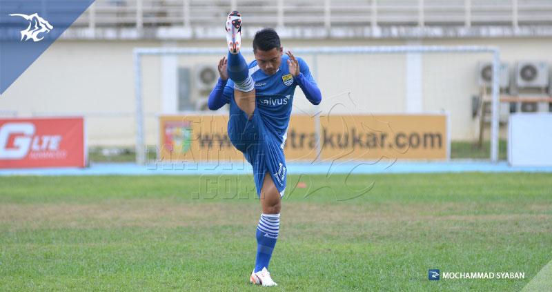 foto-persib-uji-lapang-stadion-aji-imbut-mitra-kukar-piala-presiden-2015-dedi-kusnandar-SIM_0543
