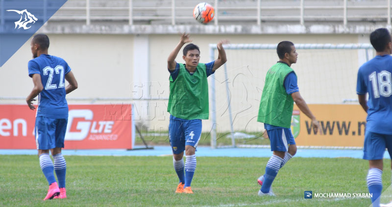 foto-persib-uji-lapang-stadion-aji-imbut-mitra-kukar-piala-presiden-2015-dias-angga-putra-SIM_0564