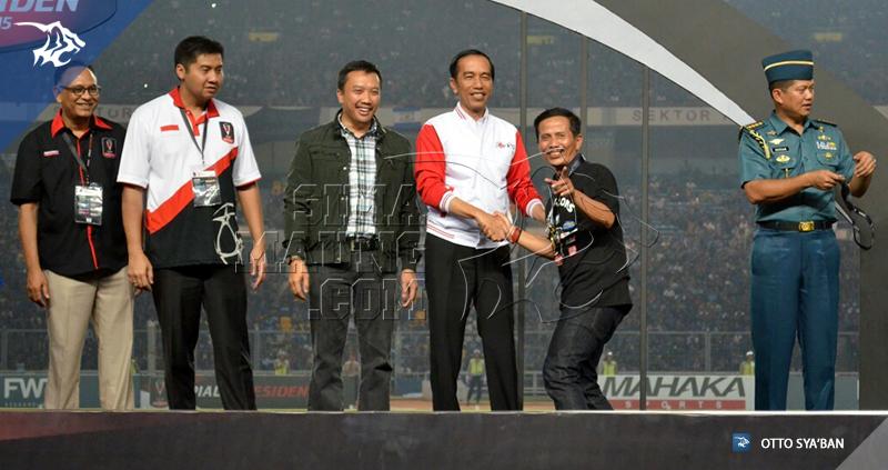 foto-persib-vs-sfc-sriwijaya-final-piala-presiden-2015-jajang-nurjaman-jokowi-1749