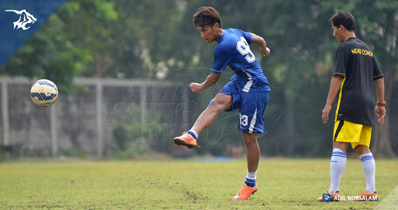 foto-persib-bandung-latihan-di-surabaya-naggala-YANDI-training_5039
