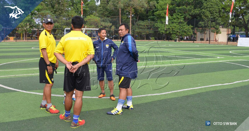 foto-persib-latihan-perdana-piala-jendral-sudirman-2015-lapangan-ciujung-futsal-tim-pelatih-8142