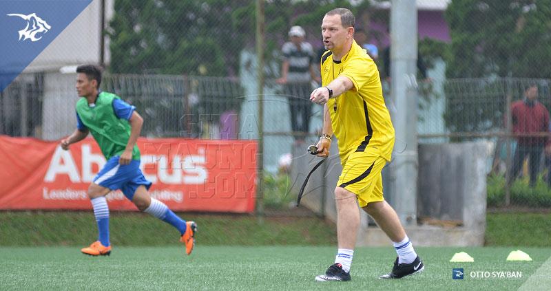 foto-persib-bandung-latihan-di-football-plus-DEJAN-ANTONIC-SIM_0868