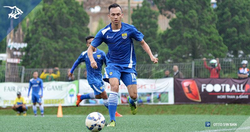 foto-persib-bandung-latihan-di-football-plus-Rahmad-Hidayat-SIM_1002