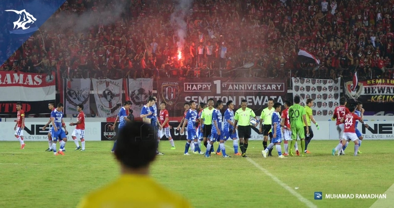 Bali Utd vs Persib_5535