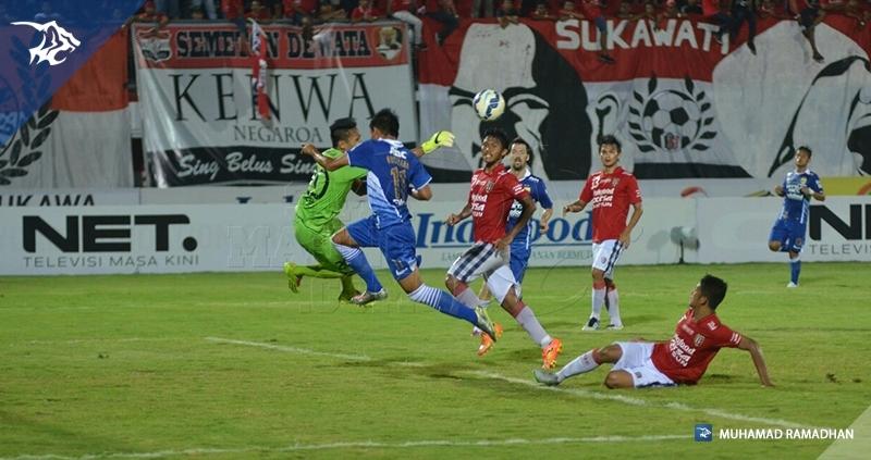 Bali Utd vs Persib_8873