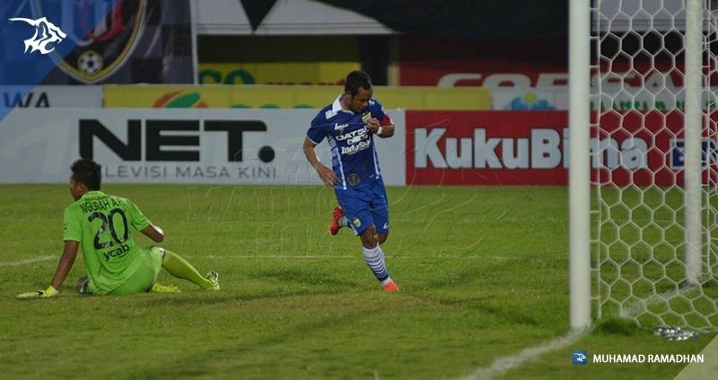 Bali Utd vs Persib_998