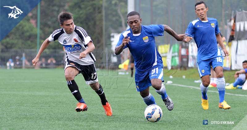foto-persib-bandung-VS-football-plus-DAVID-LALY-SIM_2523