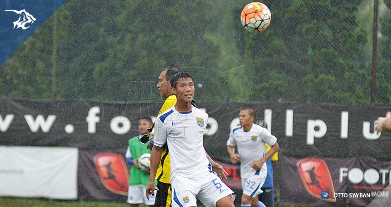 foto-persib-bandung-latihan-di-football-plus-HENHEN-SIM_3311