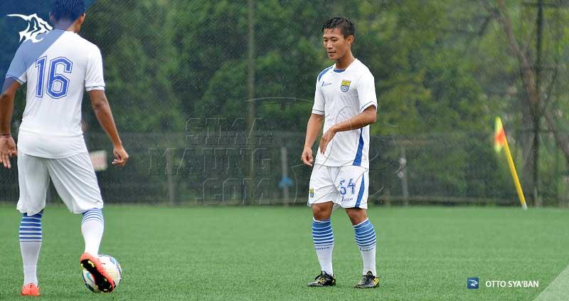 foto-persib-bandung-latihan-di-football-plus-HENHEN-SIM_3340