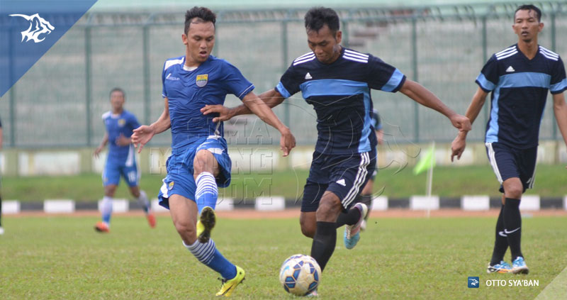Foto-Uji_Coba-Persib-vs-Song-FC-Stadion-Siliwangi-Maret-2016-Rachmad-Hidayat-S__24625197
