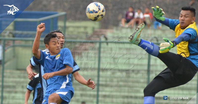 Foto-Uji_Coba-Persib-vs-Song-FC-Stadion-Siliwangi-Maret-2016-Samsul-Arif-S__24625200