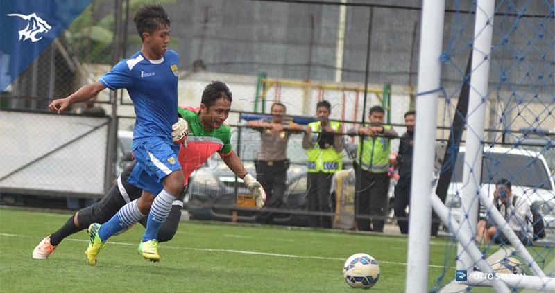 S__24608784Febri-Persib-vs-Sari-Ater-FC