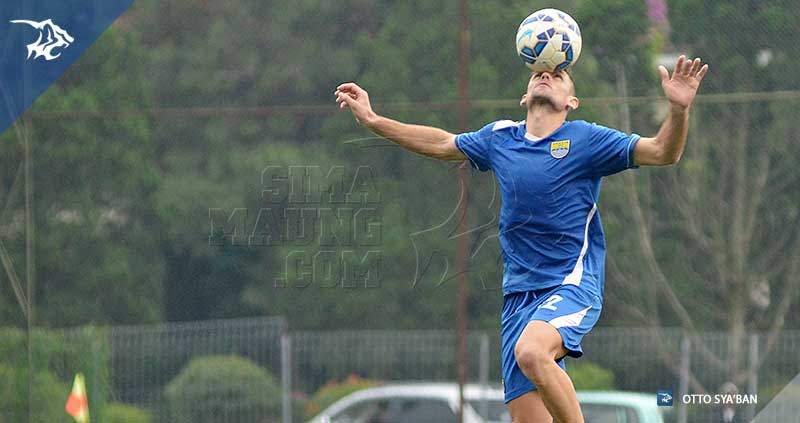 foto-persib-bandung-latihan-di-football-plus-BELENCOSO-SIM_0715