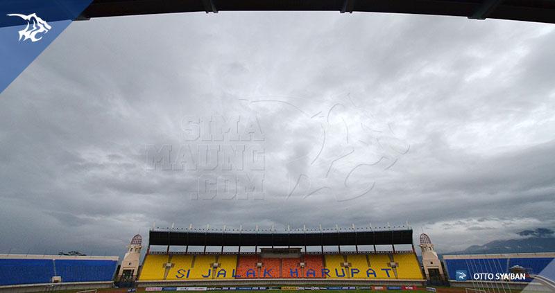 foto-persib-bandung-stadion-si-jalak-harupat-SIM_4113