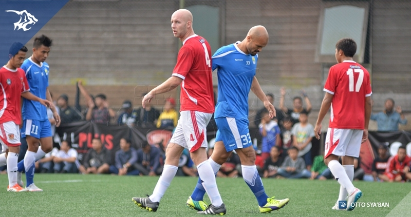 foto-uji-coba-persib-vs-football-plus-sergio-van-dijk_4506