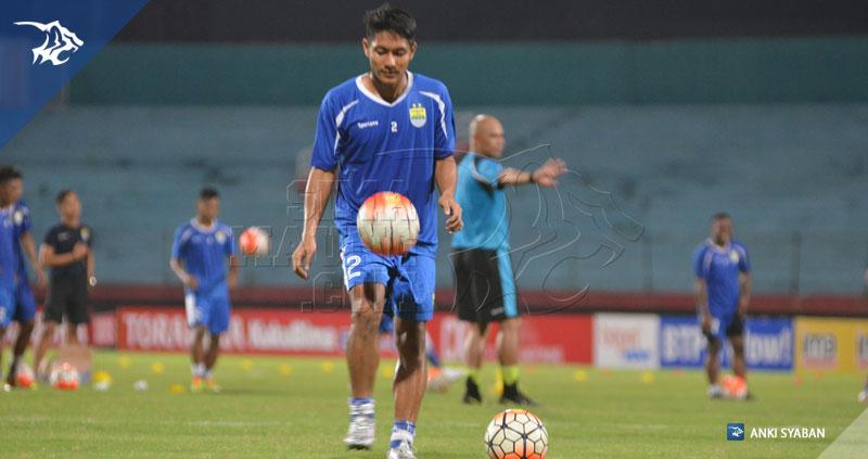 foto-uji-coba-lapangan-bhayangkara-surabaya-united-vs-persib-tsc-2016-stadion-gelora-delta-purwaka-yudhi_6693