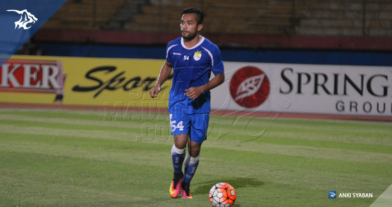 foto-uji-coba-lapangan-bhayangkara-surabaya-united-vs-persib-tsc-2016-stadion-gelora-delta-zulham-zamrun_7845