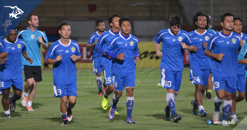 foto-uji-coba-lapangan-bhayangkara-surabaya-united-vs-persib-tsc-2016-stadion-gelora-delta_8105