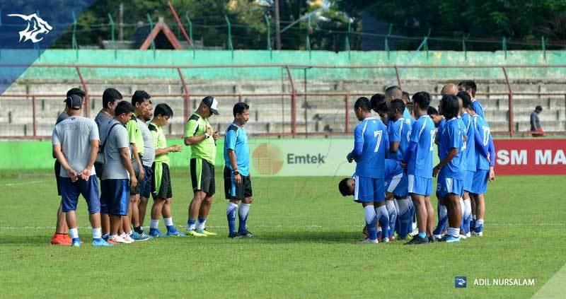 foto-latihan-uji-coba-lapangan-stadion-andi-matalata-makassar-psm_1549